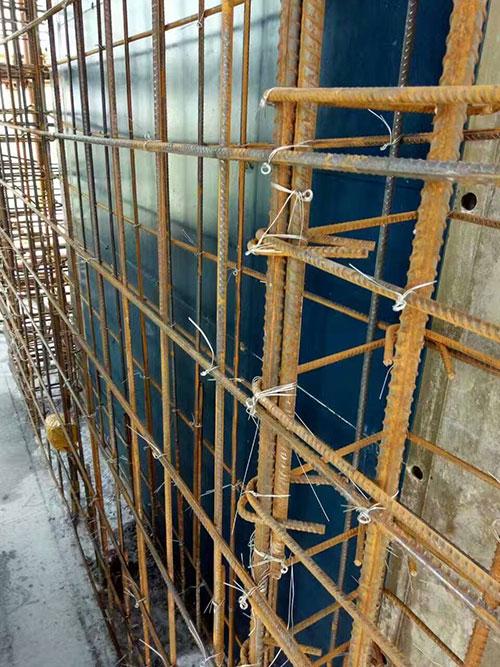 电梯井施工现场